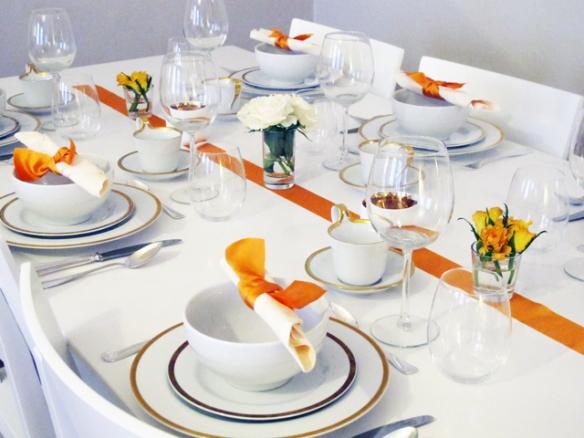 duka-dukat-duking-hemmet-inredning-inspiration-bjudning-bord-servetter-band-orange